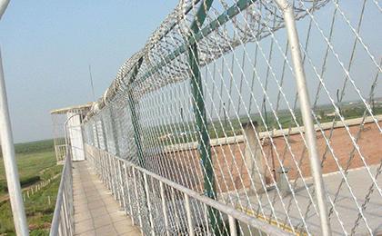 刀片刺绳焊接防爬护栏网